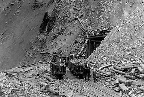 Homestake_Mine_Open_Cut